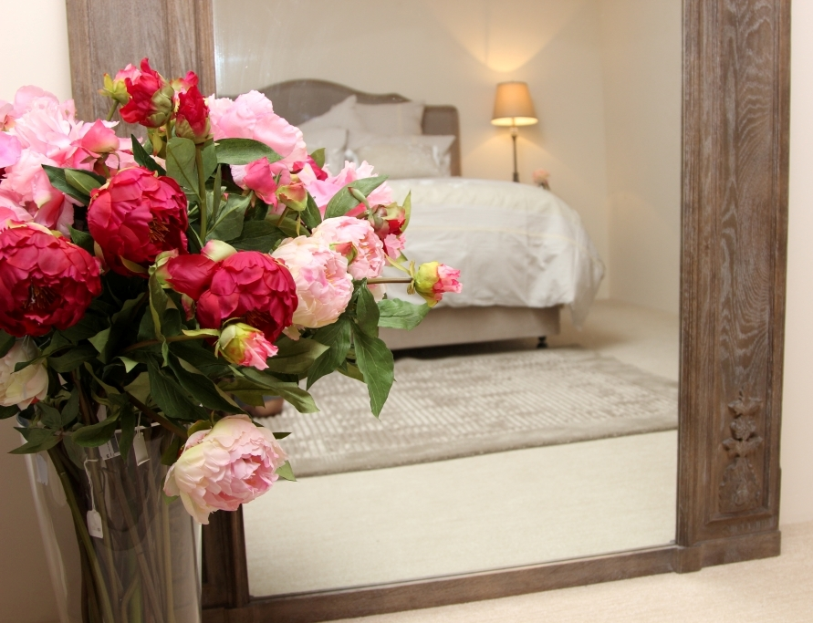bedroom mirror flowers