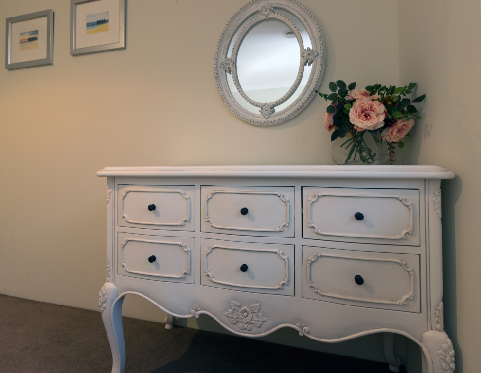 Veranda white chest of drawers