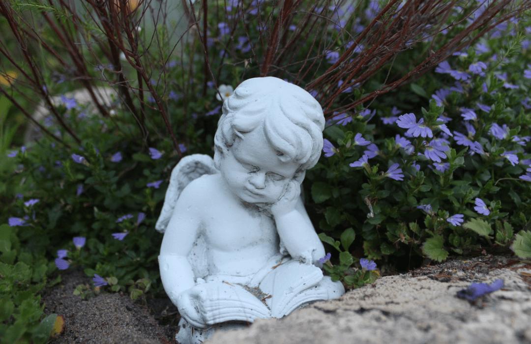 veranda-Cherub