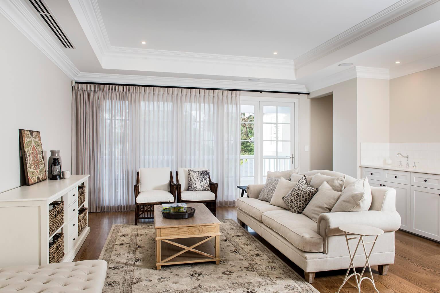 veranda-couch