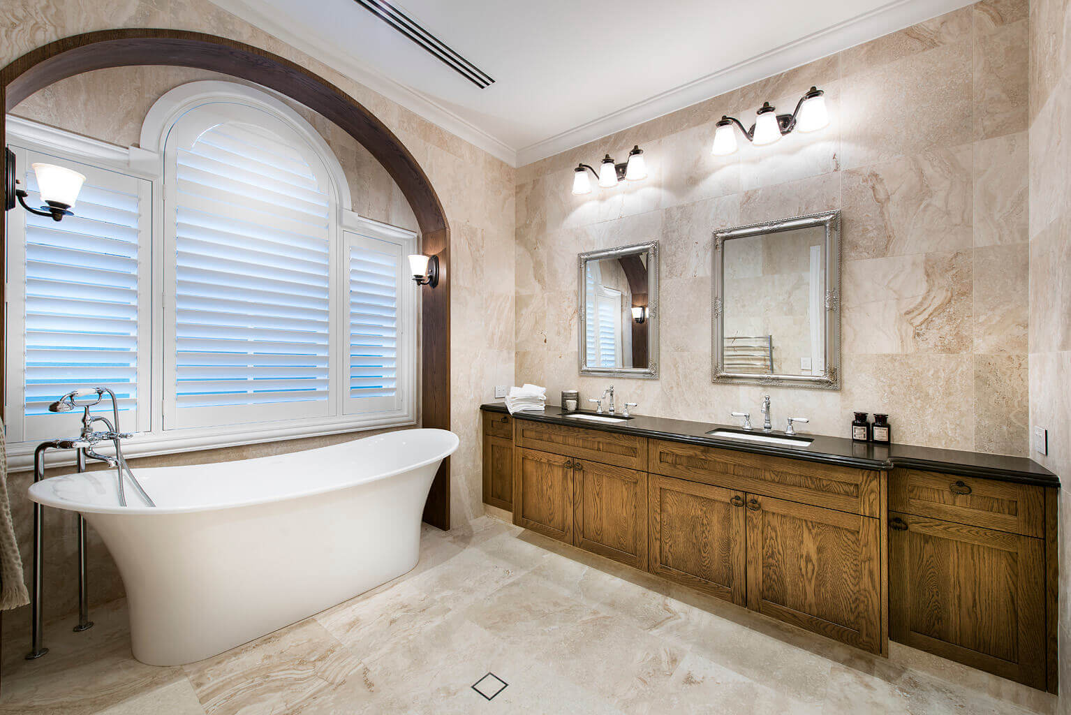veranda-guest-bath