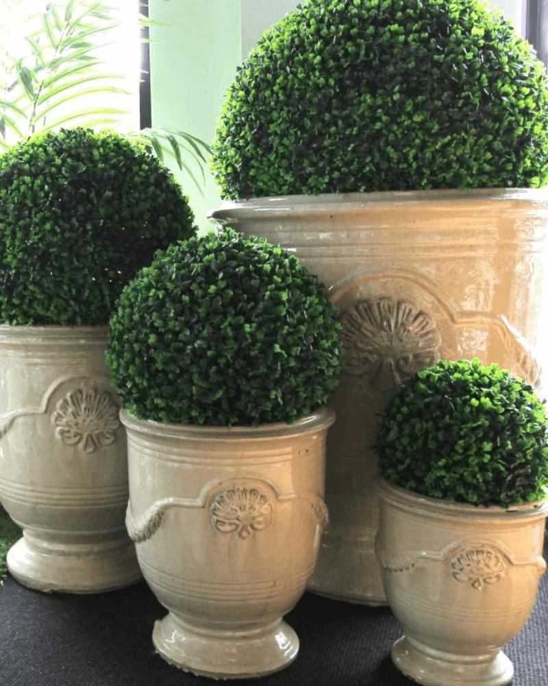 veranda-urns
