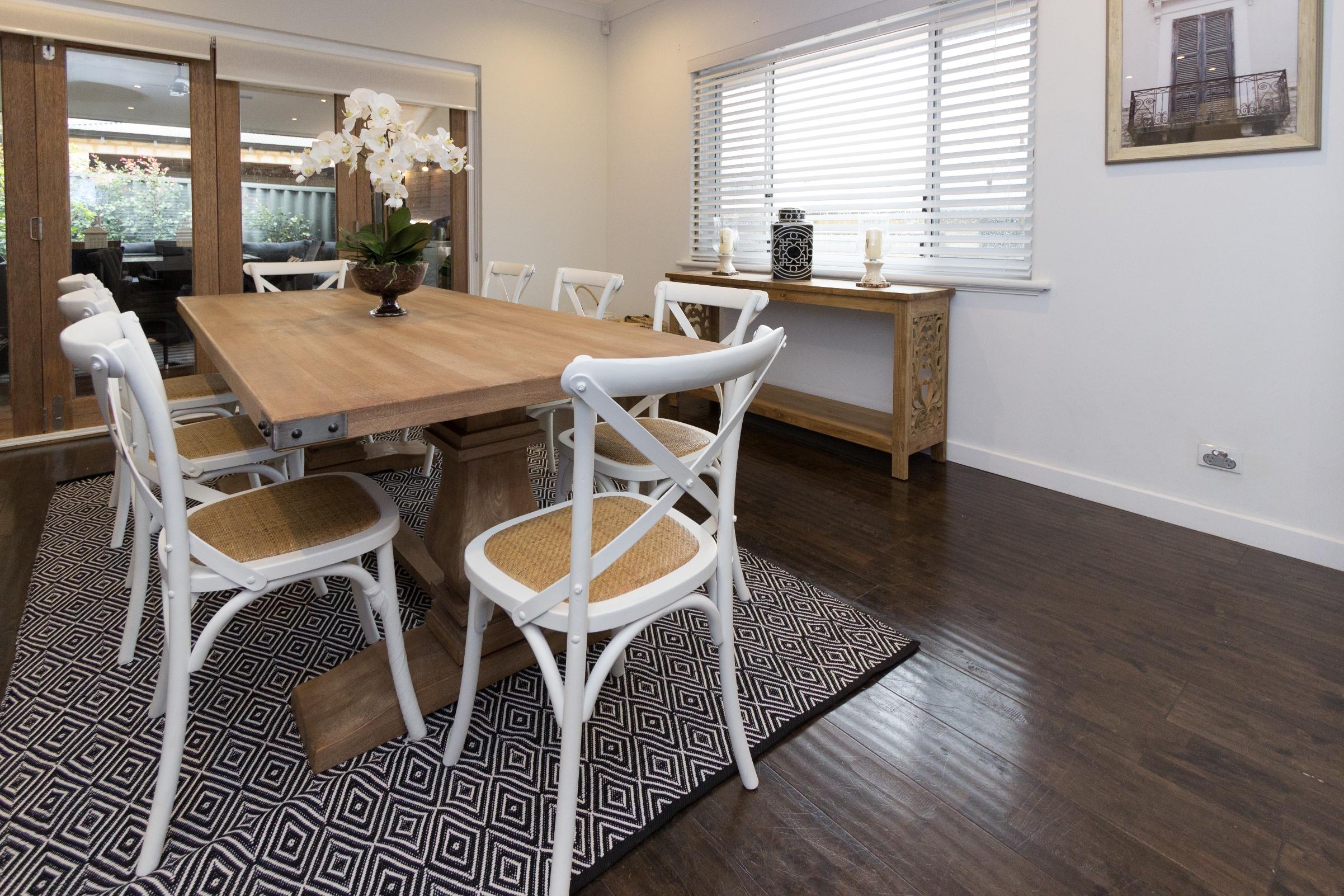 Cross Back Chair in White – Veranda Home & Garden